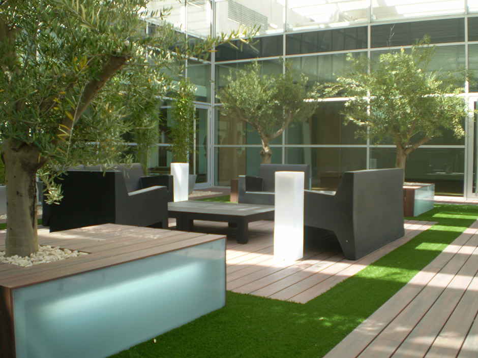Juan casla paisajismo for Decoracion jardin adosado